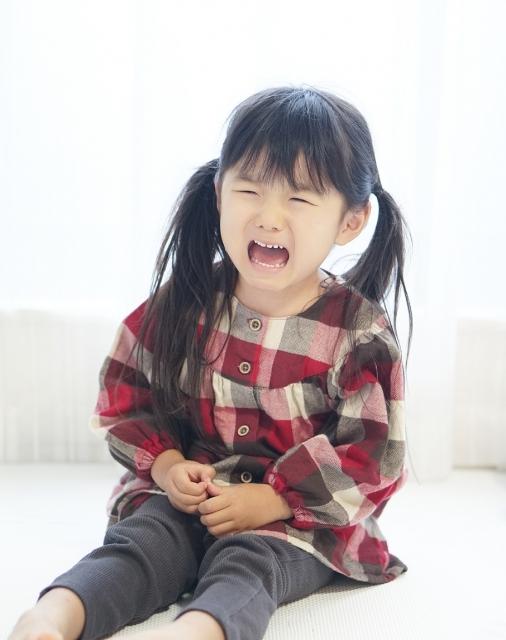 癇癪を起こす子供